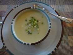 Creamy Vegan Vichyssoise with Potatoes and Leeks