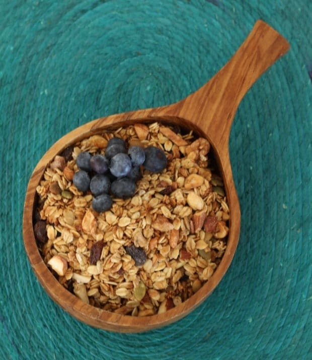 granola bowl blueberries
