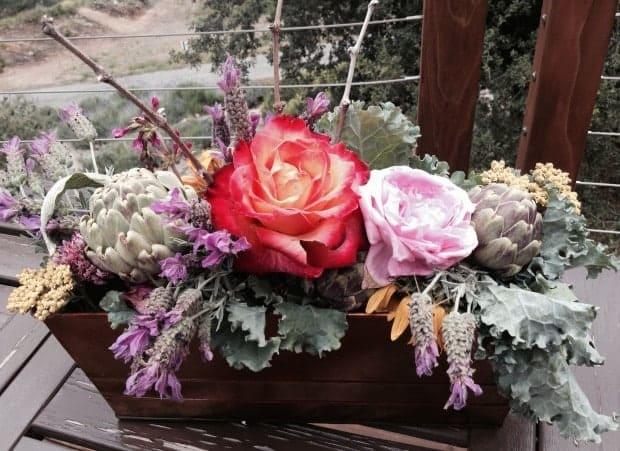 Plateau edge bouquet