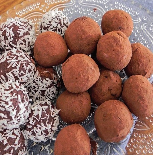 Chocolate Vegan Truffles for Healthy Holiday Cookies