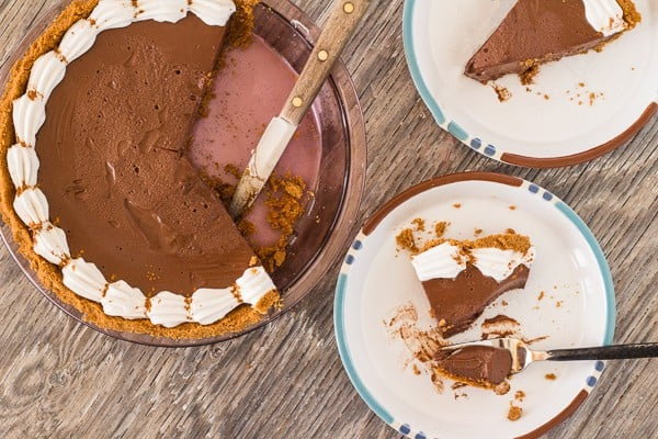 Cut Pie with 2 plates with Chocolate Honey Pie with Cinnamon Graham Crust | Letty's Kitchen