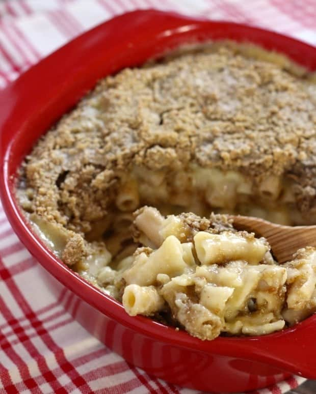 Sunflower Crusted Macaroni and Cheese