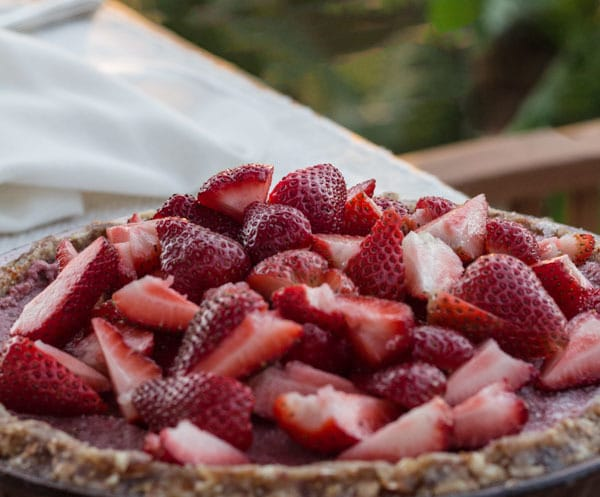 Strawberry Ice Cream Pie ready to cut and serve
